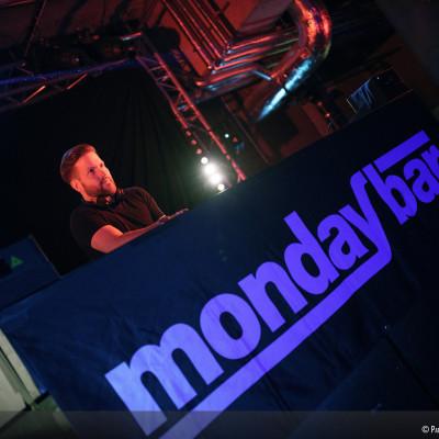 MondayBar Trance DeLuxe